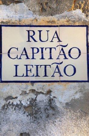 """Photo pour Plaque carrelée à la rue portugaise : """"Captain Leitao street """" - image libre de droit"""