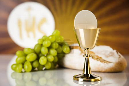 Eucharist symbol of bread and wine, chalice and host