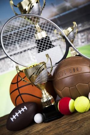 Foto de Premios Copas de ganadores, Equipamiento deportivo y pelotas - Imagen libre de derechos