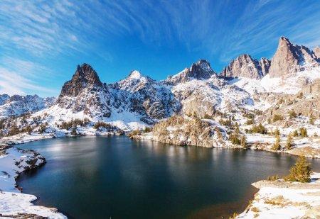 Hike to beautiful  Minaret Lake