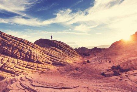 Photo pour Randonneur dans les montagnes de l'Utah, nature étonnante - image libre de droit