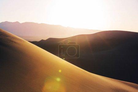 Photo pour Dunes de sable de death valley national park, Californie, Etats-Unis - image libre de droit