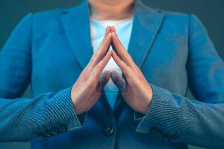 Businesswoman body language for confidence and self-esteem