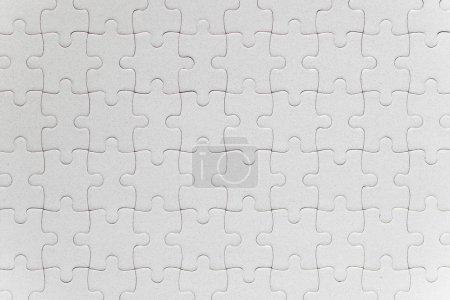 weiße Puzzleteile komplett