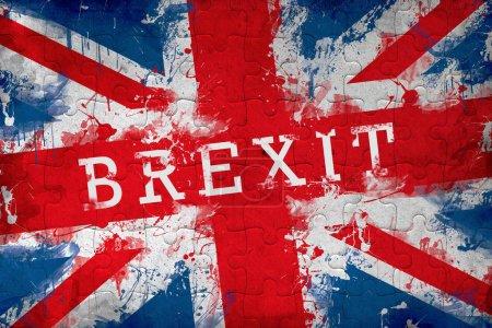 Photo pour Brexit jigsaw puzzle concept avec le drapeau de la Grande-Bretagne - image libre de droit