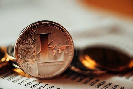 Photo pour Litecoin crypto-monnaie, technologie blockchain monnaie décentralisée, image conceptuelle avec un accent sélectif - image libre de droit