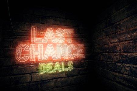 Photo pour Offres de dernière chance néon signe, illustration de rendu 3d - image libre de droit