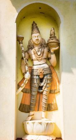 Photo pour Ancienne statue dans le temple du Bouddha au Sri Lanka, patrimoine de l'Unesco. Culture de l'Asie, religion bouddhisme - image libre de droit