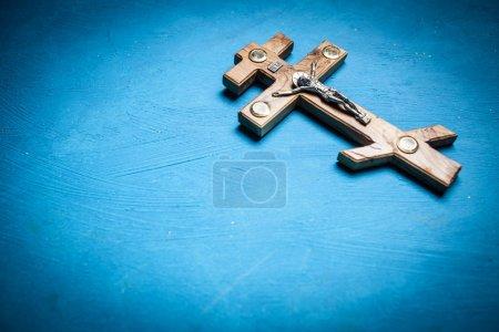 Photo pour Crucifixion de Jésus en bois d'olivier - image libre de droit