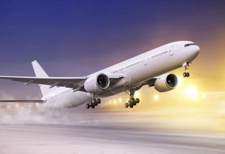 avion blanc dans le blizzard de l'hiver