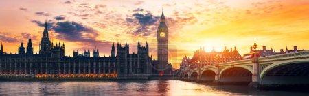 Photo pour Big Ben et les Chambres du Parlement au crépuscule, Londres, Royaume-Uni - image libre de droit