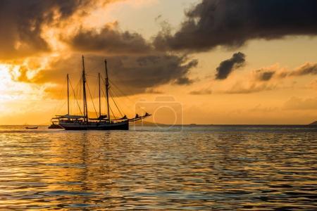 Freizeitjacht am Indischen Ozean