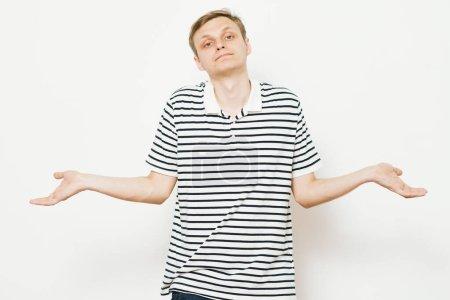 Photo pour Un homme lève les mains - image libre de droit