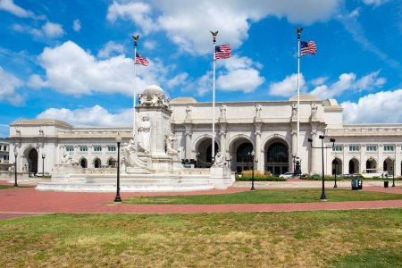 Union Station and the Colombus Fountain in Washington D.C.