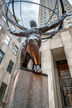 Atlas statue at Fifth Avenue in midtown New York City