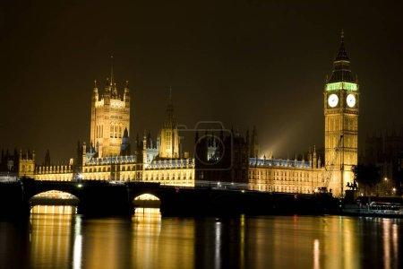 Photo pour Maison du Parlement et de Big Ben à Londres, Royaume-Uni - image libre de droit