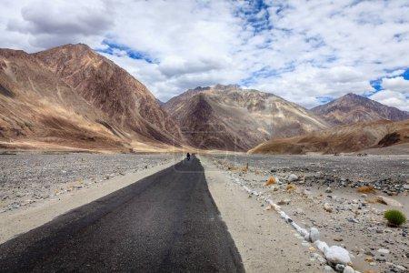 Road through Nubra Valley