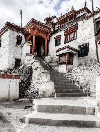 Diskit Buddhist Monastery i