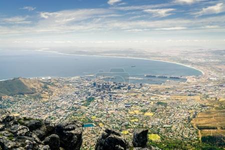 Photo pour Ville de Cape Town la côte atlantique de la montagne de la Table - image libre de droit