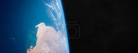 Foto de Vista del planeta Tierra azul de cerca con la atmósfera durante un amanecer 3D elementos de representación de esta imagen proporcionados por la NASA - Imagen libre de derechos