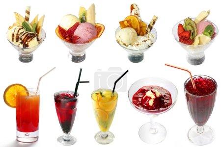 Photo pour Cocktails et glaces se mélangent sur fond blanc. Taille pleine 6100x4067 pix - image libre de droit