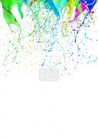 Photo pour Éclaboussures de peinture liquide coloré différentes couleurs sur fond blanc - image libre de droit
