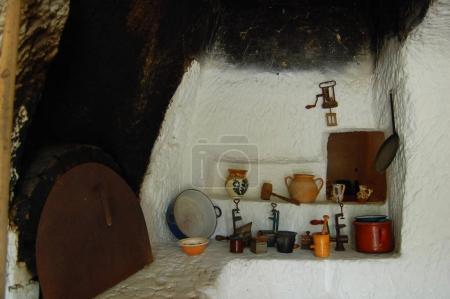 Photo pour Intérieur de la vieille cuisine traditionnelle - image libre de droit