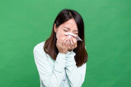 Woman feeling sneeze