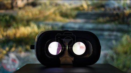 Photo pour Dispositif de réalité virtuelle lecture film à l'intérieur - image libre de droit