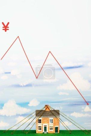 Photo pour Propriété marché Crash financier graphique avec signe yen - image libre de droit