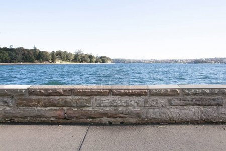 Photo pour Trottoir le long de la côté mer, Sydney, Australie - image libre de droit