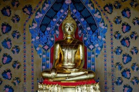 Bangkok, THAILAND - October 29, 2017 Golden Buddha statue at Wat Arun temple.