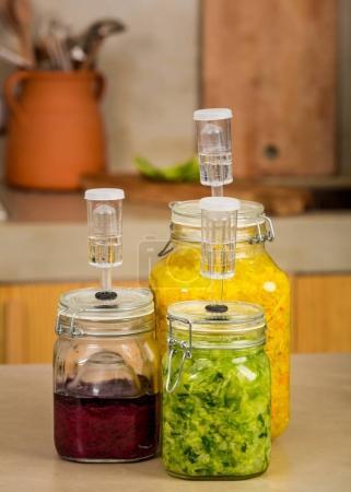 Preparing fermented preserved vegetables