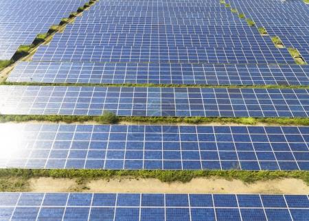 Foto de Vista aérea de la granja del panel solar - Imagen libre de derechos