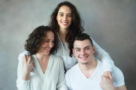 famille headshot belle femme avec adulte fille et fils