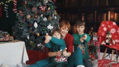 Birtoklás móka-val karácsony Petards család