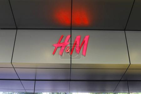 HM store showcase