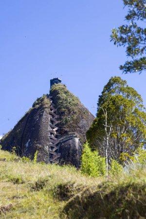 Photo pour Vue à Rock of Guatape (Piedra Del Penol) en Colombie - image libre de droit
