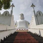 Bahirawakanda Srí Mahá Bódhi chrám v Kandy, Srí Lanka. Tem
