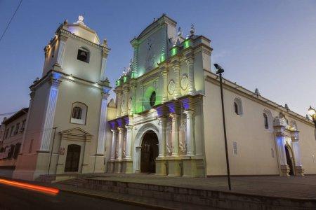Photo pour Église La Merced à Léon, Nicaragua. Léon, Nicaragua . - image libre de droit