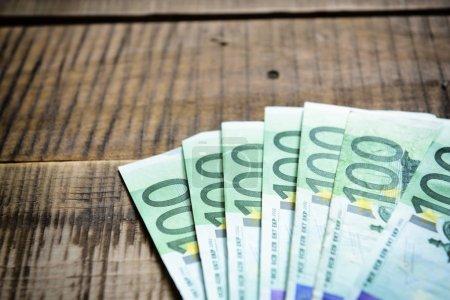 Photo pour Fond avec de l'argent en espèces européennes - image libre de droit