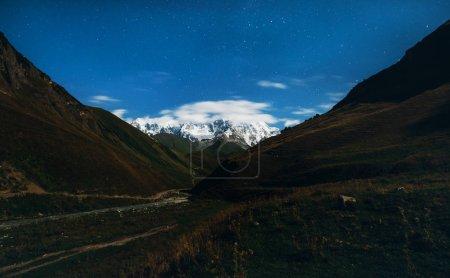 Photo pour Magnifique tour de Svaneti - image libre de droit