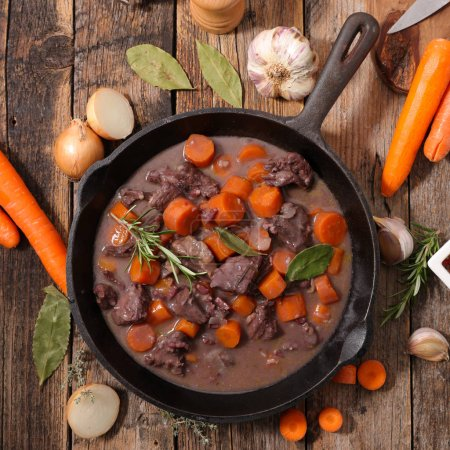 beef stew with wine sauce