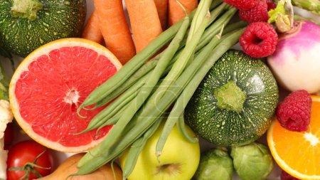 Vue rapprochée des fruits et légumes frais