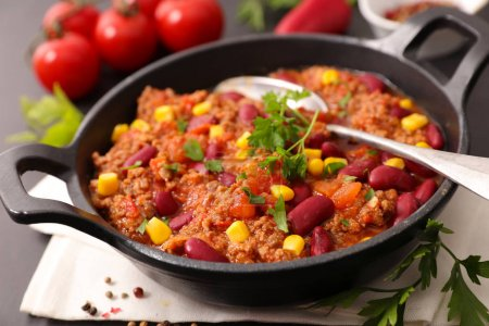 traditional mexican chili con carne in pan