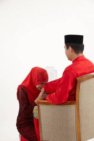 Photo pour Salutation ou salam pendant hari raya - image libre de droit