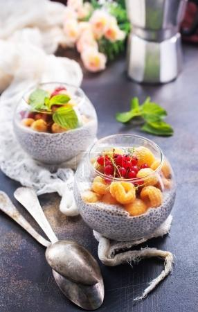 pudding with chia seeds and fresh berries