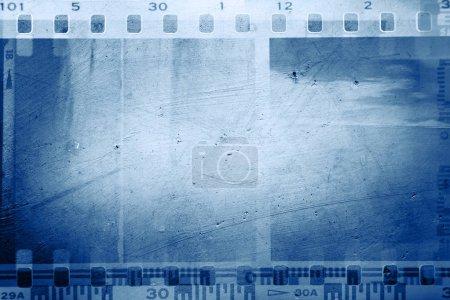 Photo pour Images négatives de film sur fond bleu - image libre de droit