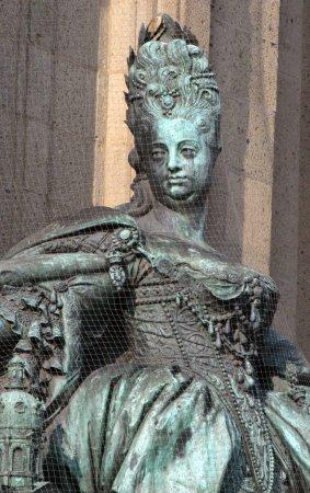Sophie Charlotte Statue