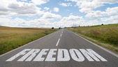 """Постер, картина, фотообои """"Свобода сообщения, написанные на дороге"""""""